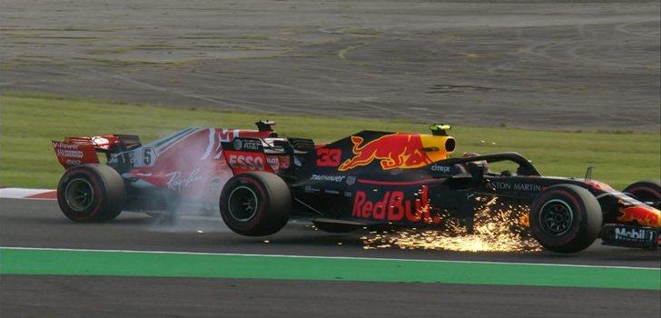 Vettel comete un error y choca con Verstappen