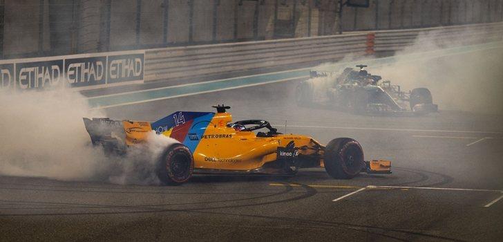 Alonso y Hamilton se exhiben en Abu Dabi