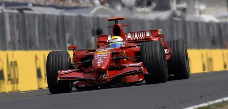 Massa rueda con su Ferrari