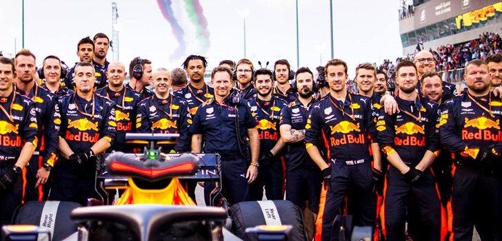 El equipo Red Bull, al completo