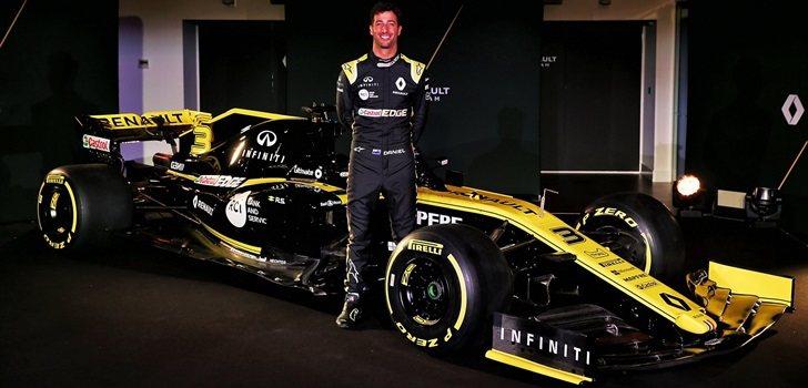 Ricciardo, junto al RS19