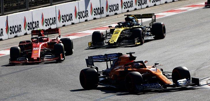 Sainz y Ricciardo, en Bakú