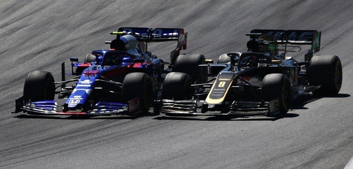 Albon pelea por posición con Grosjean