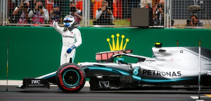 Bottas celebra su pole en Silverstone