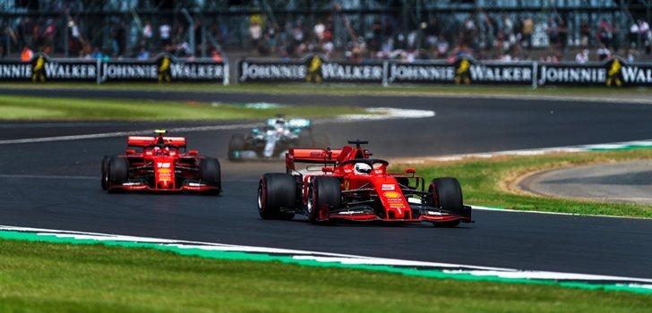 Los Ferrari, durante el GP de Gran Bretaña