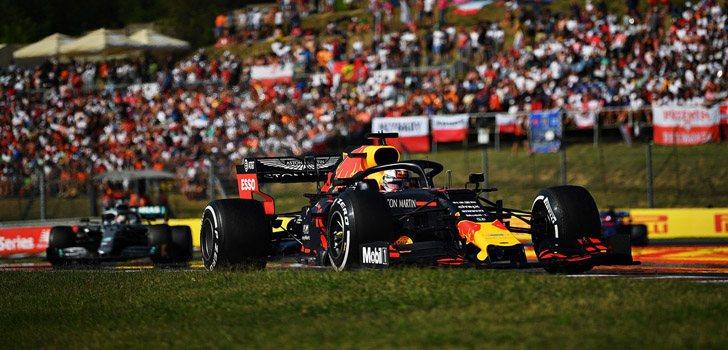 Lucha entre Max Verstappen y Lewis Hamilton en Hungría