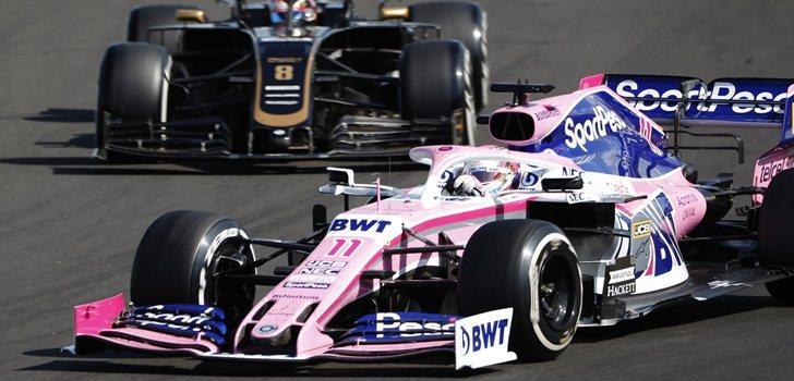 Sergio Pérez lucha por posición con Romain Grosjean