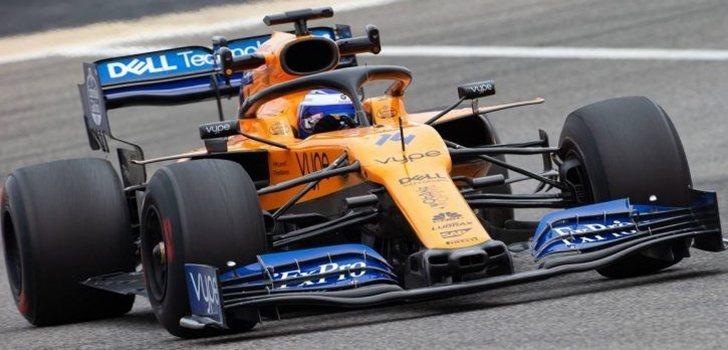 Fernando Alonso, a los mandos del MCL34