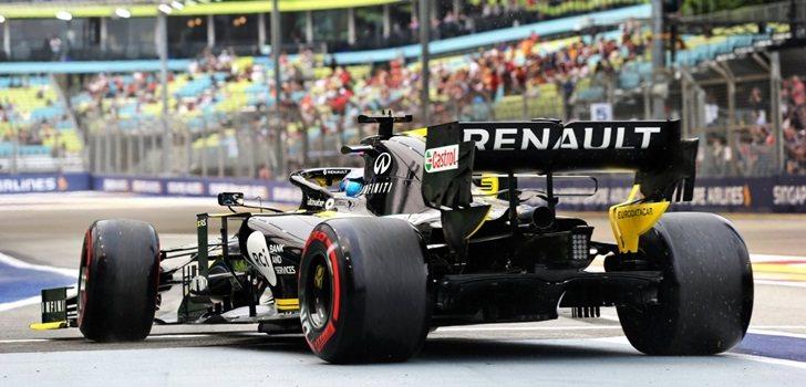 Ricciardo, en el pit lane de Marina Bay