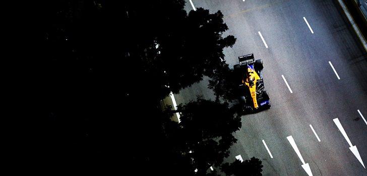Carlos Sainz rueda en las calles de Singapur