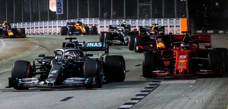 Hamilton pelea por posición con Vettel en Singapur