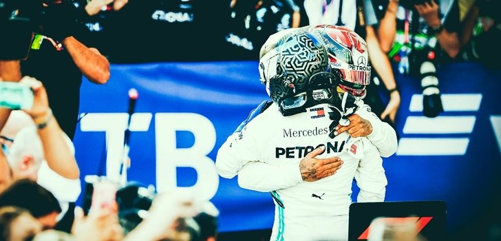 Bottas y Hamilton se abrazan tras su doblete en Sochi