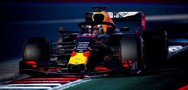 Verstappen rueda en el GP de Rusia 2019