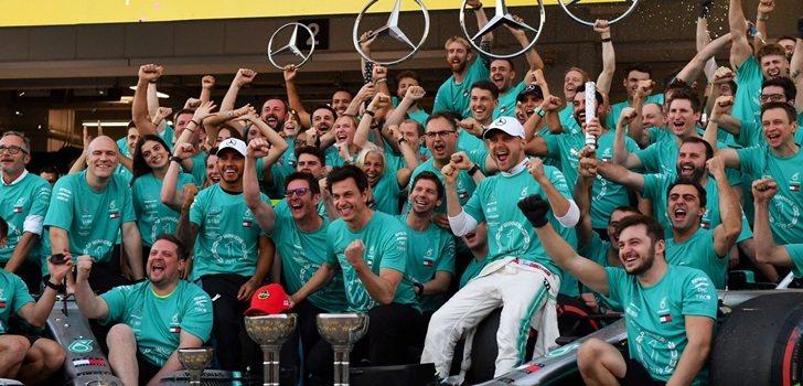 Mercedes celebra en Suzuka su sexto título