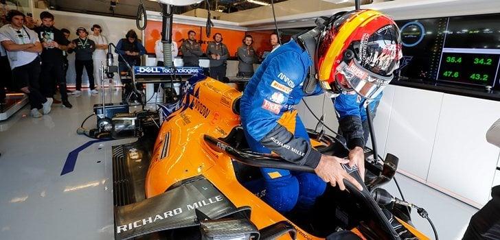 Carlos Sainz se sube al MCL34