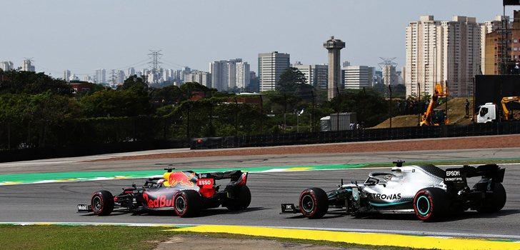 Batalla entre Verstappen y Hamilton