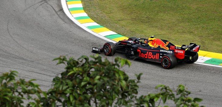 Albon rueda en el GP de Brasil 2019