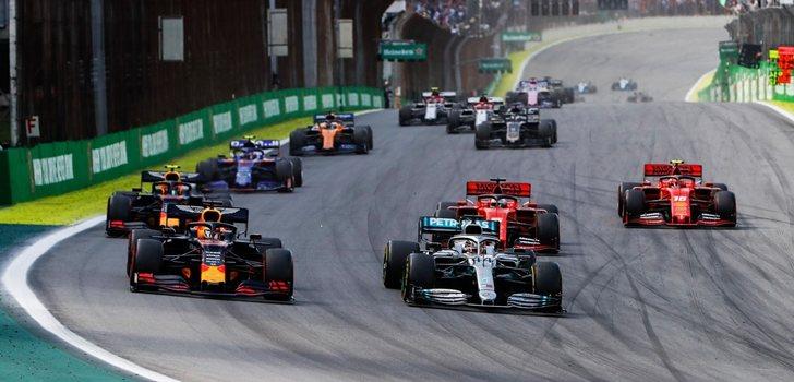 Hamilton y Verstappen luchan por el liderato en Brasil