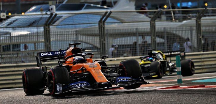 Batalla entre Carlos Sainz y Daniel Ricciardo en Abu Dabi