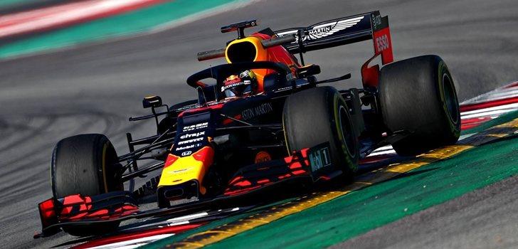 Verstappen, durante los test de Barcelona 2019