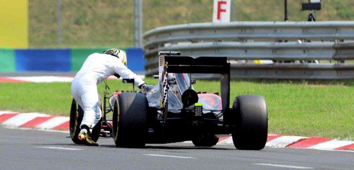 El motor Honda deja tirado a Alonso