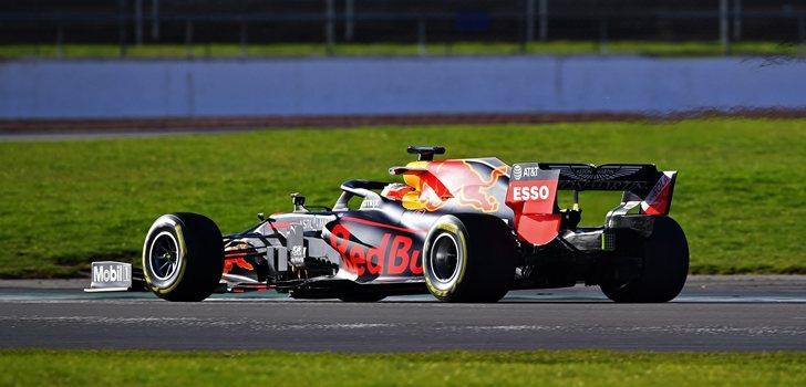Max verstappen prueba el nuevo RB16