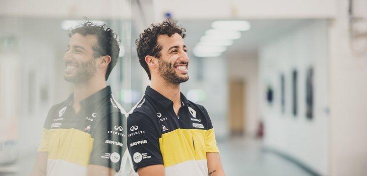 Ricciardo, con la equipación oficial de Renault 2020