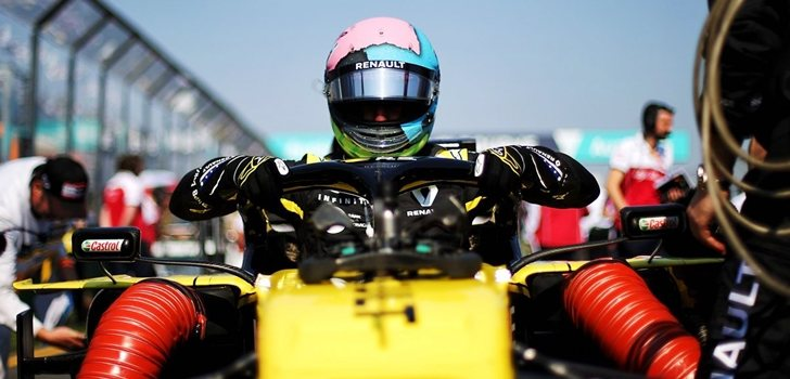 Ricciardo, a los mandos del RS19