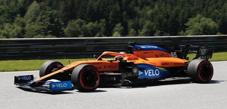 Carlos Sainz, frustrado con el final de la carrera en Estiria