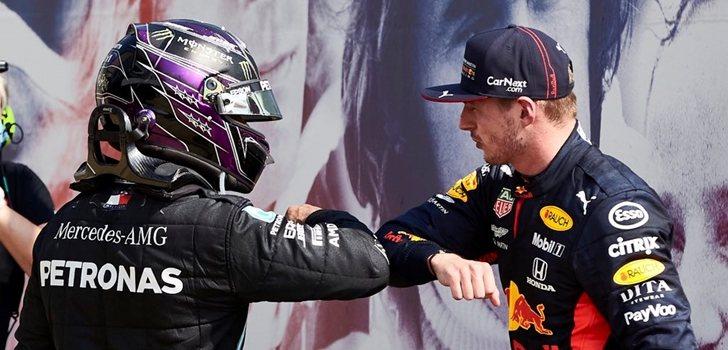 Hamilton felicita a Verstappen por su triunfo en Silverstone