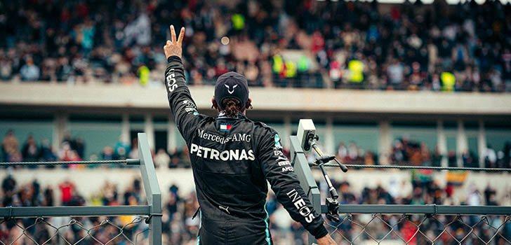 Damon Hill aplaude los éxitos logrados por Lewis Hamilton