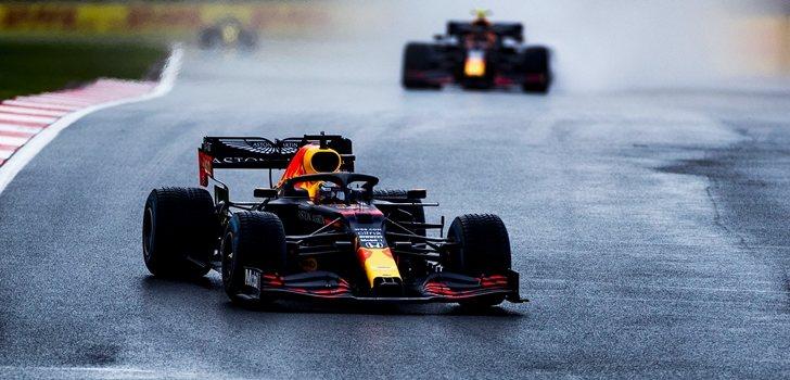 Verstappen y Albon, en el GP de Turquía 2020