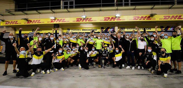 Podio de Esteban Ocon en el GP de Sakhir