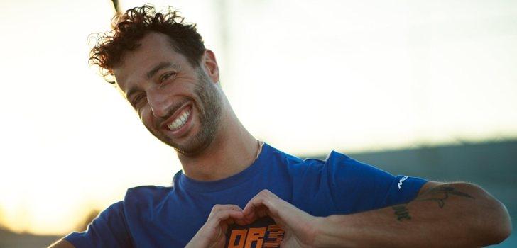 Daniel Ricciardo, sonriente ante la cámara