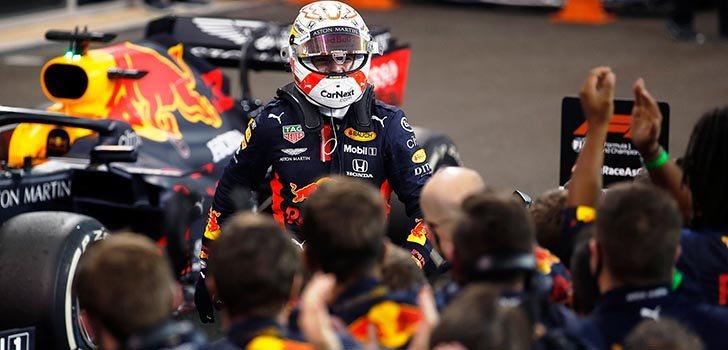 Mercedes mira atentamente a todo lo que sucede en Red Bull
