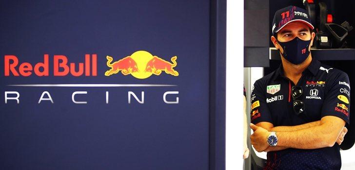 Pérez, en el box de Red Bull
