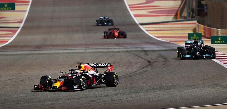 Lewis Hamilton teme que Red Bull mantenga la competitividad en todos los circuitos