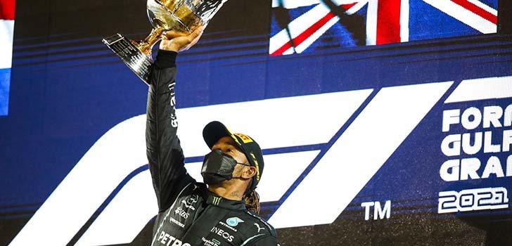Max Verstappen defiende a Lewis Hamilton por todos los triunfos que ha logrado