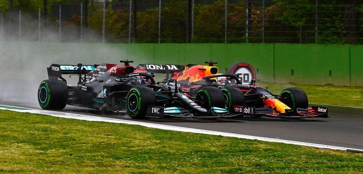 Hamilton y Verstappen luchan en el GP de Emilia Romaña