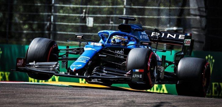 Alonso, en el GP de Emilia Romaña 2021