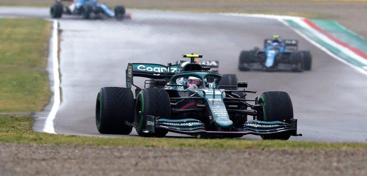 Vettel, durante el GP de Emilia Romaña 2021