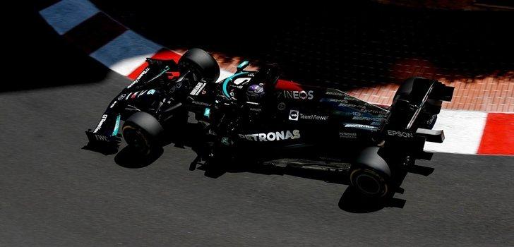 Mercedes, durante los Libres en Mónaco