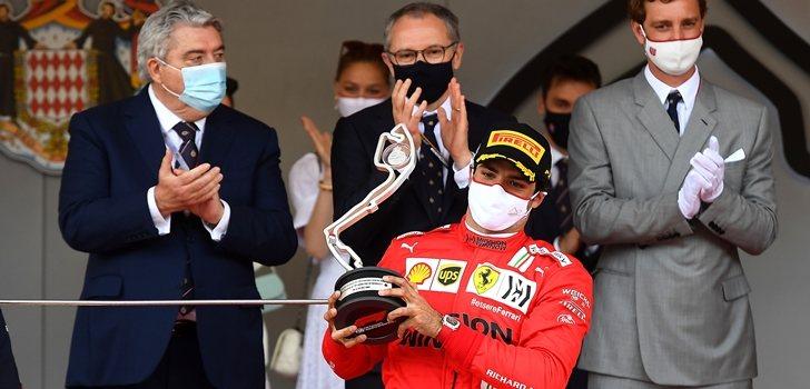 Sainz celebra el podio en Mónaco