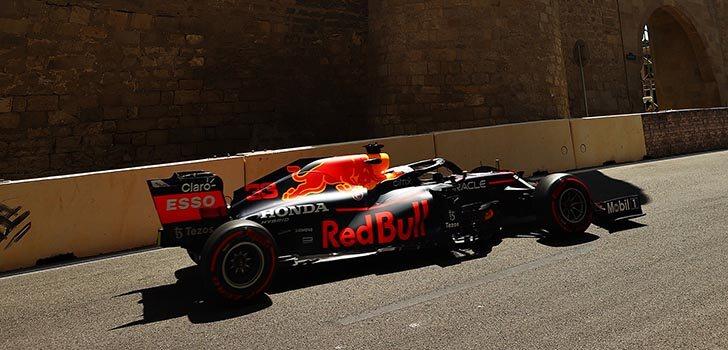 Red Bull, competitivo por las calles de Bakú