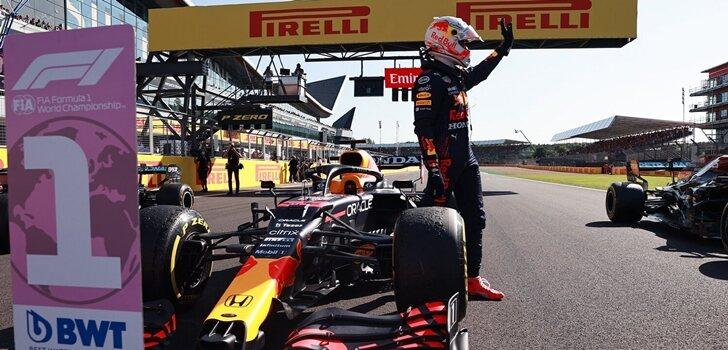 Verstappen pole en Silverstone 2021