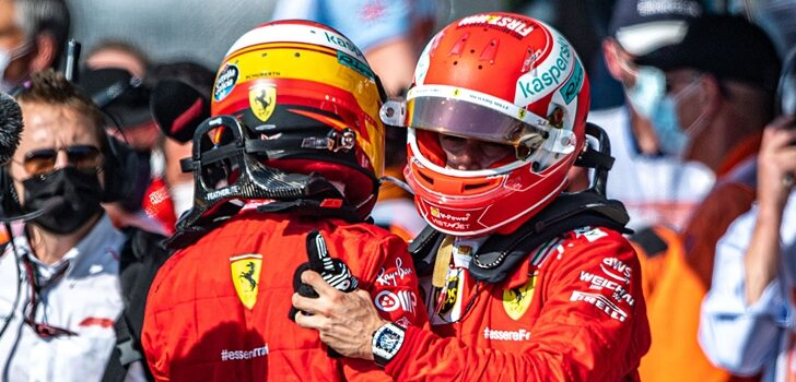 Sainz felicita a Leclerc por su podio en Silverstone
