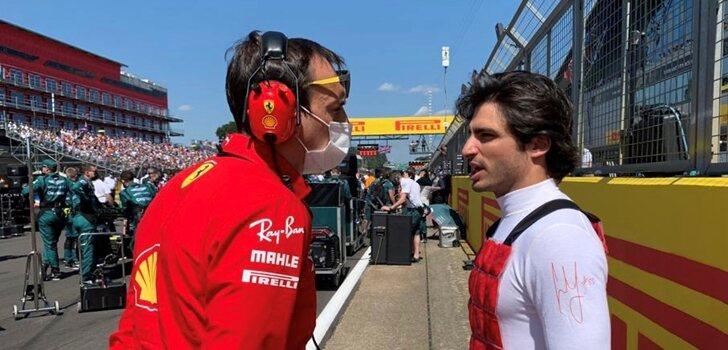 Sainz habla con su ingeniero