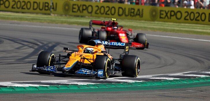 Ricciardo, por delante de Sainz