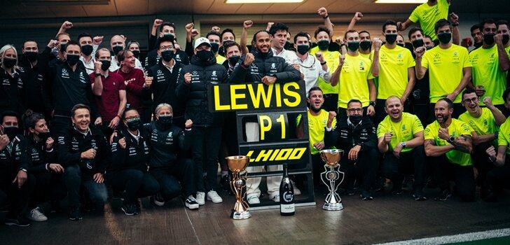 Mercedes celebra la victoria 100 de Hamilton