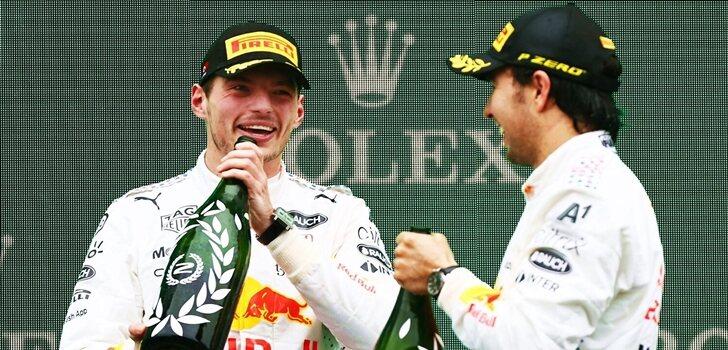 Verstappen y Pérez, en el podio de Turquía